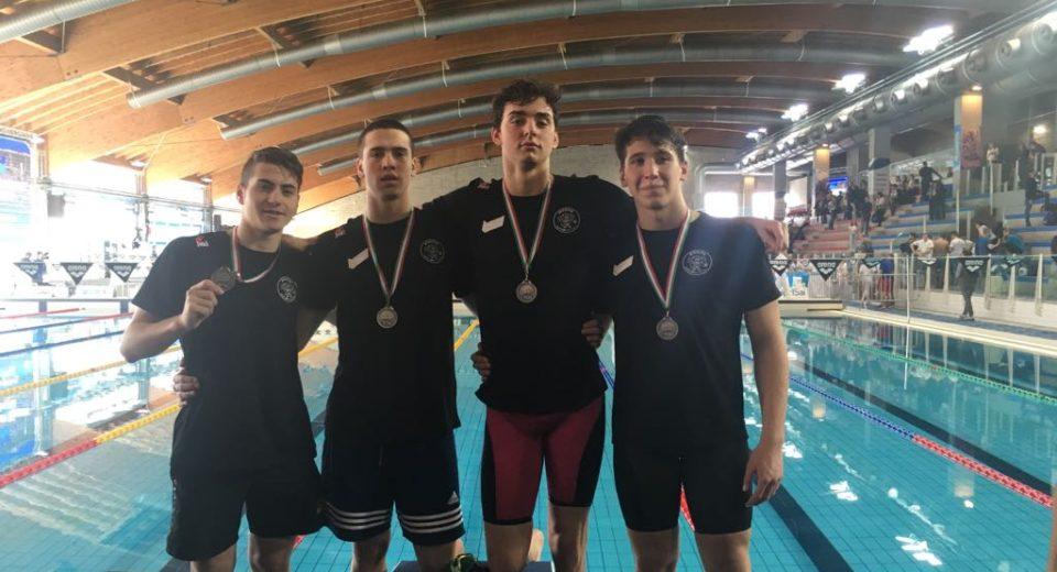 Medaglia d'argento monzese ai Criteria Giovanili di Riccione per la staffetta 4x100mx della Sport Management Atleti Lombardi
