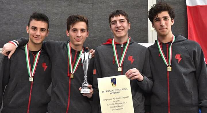 Medaglia d'argento e promozione per i fiorettisti della Scherma Monza