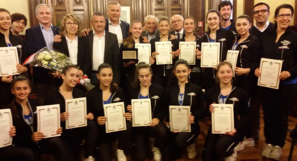 Le formazioni del Monza Precision Team di Astro Skating premiate in Comune a Monza